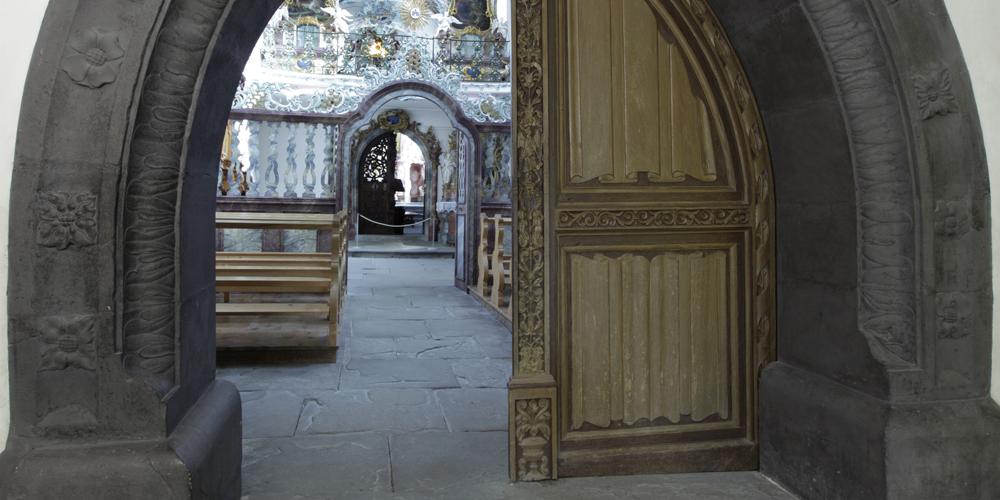 Eingang in die prächtige Klosterkirche